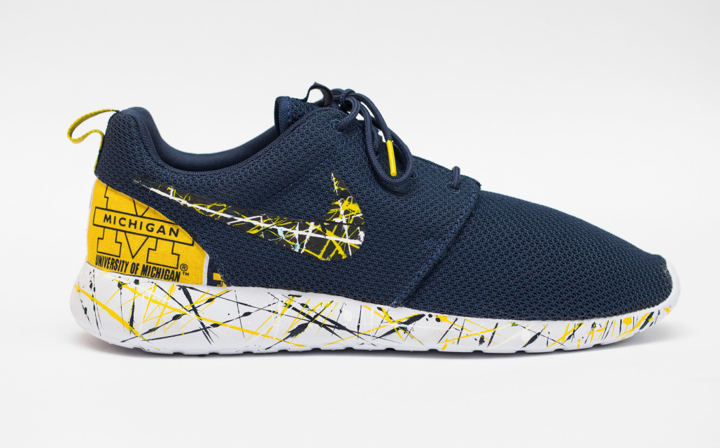 Nike Roshe One Custom 'Ann Arbor' Edition