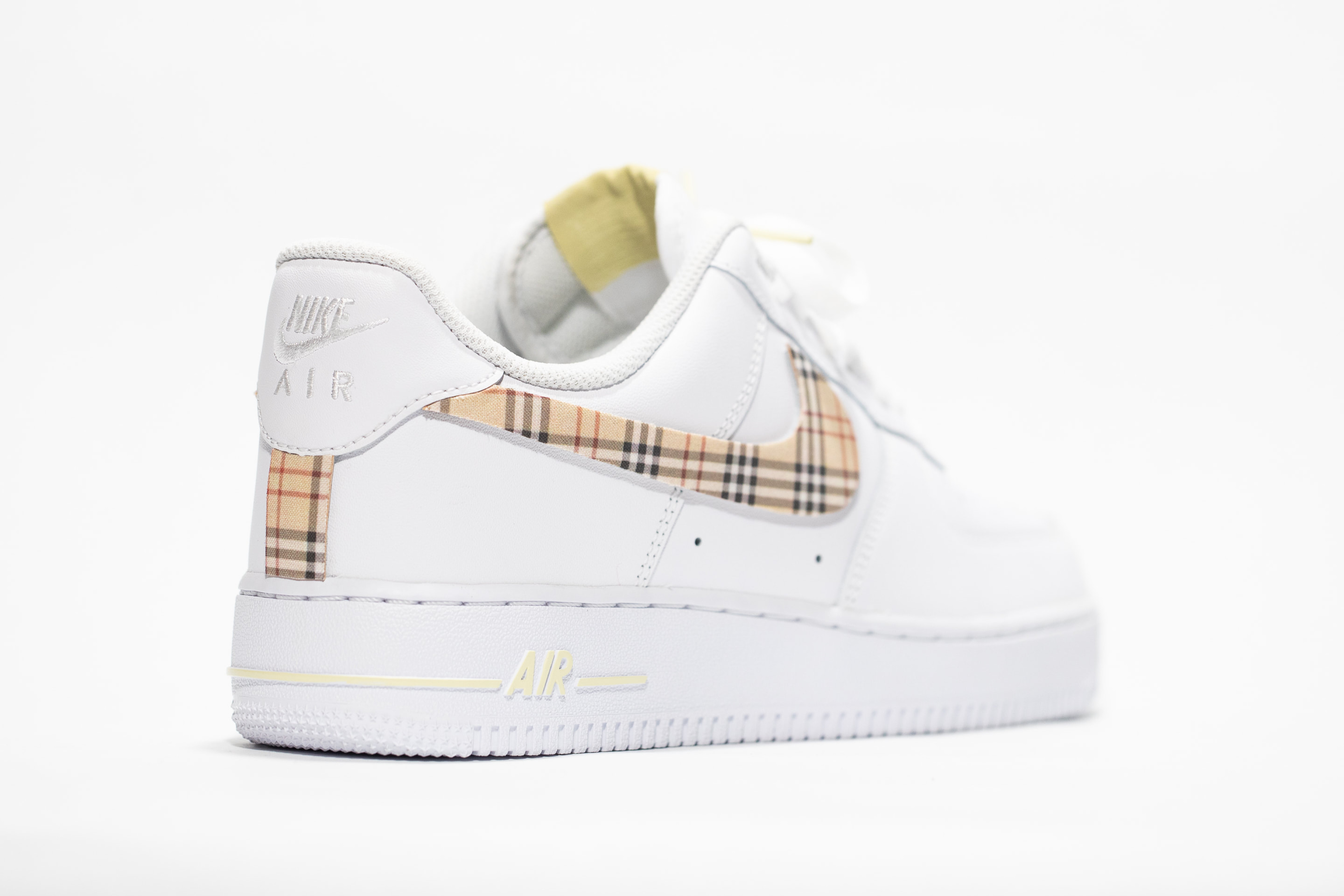 nike air force one burberry
