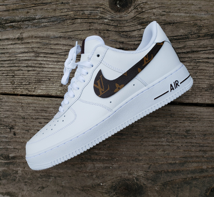e5c9fe10a6c Hand customized nike air force ones